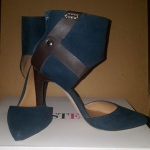 Just Fab-Teal Green w Brown Heels-Size 6 1/2
